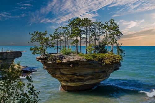 D-18-142 - Turnip Rock. Pte. Aux Barques. Port Austin, MI. Digitally enhanced.