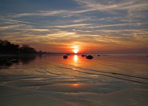 D-19-103 - Lake Huron Sunset. Oak Beach County Park. Oak Beach, MI.
